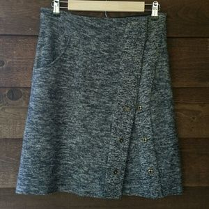 Sparrow marled gray skirt, snap front, small